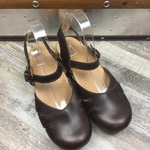 Dansko Brown Clogs Sandals Size 9